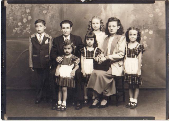 Tio William and Tia Maria with Marisabel, Blanca, Willie, Delia and Miriam 1940's