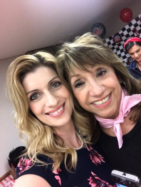 kara and eva selfie