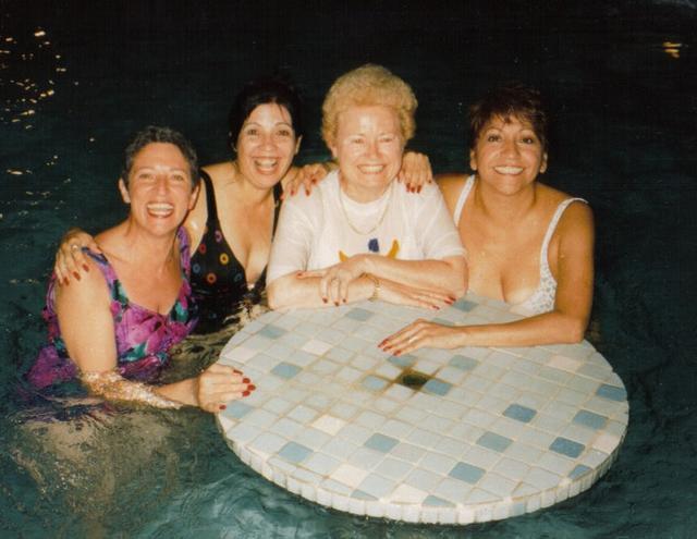 Vivian, Evelyn, Marisabel and Eva