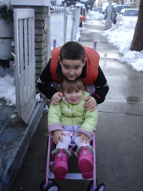 KIds visit snowstorsm Feb 26 2010 033