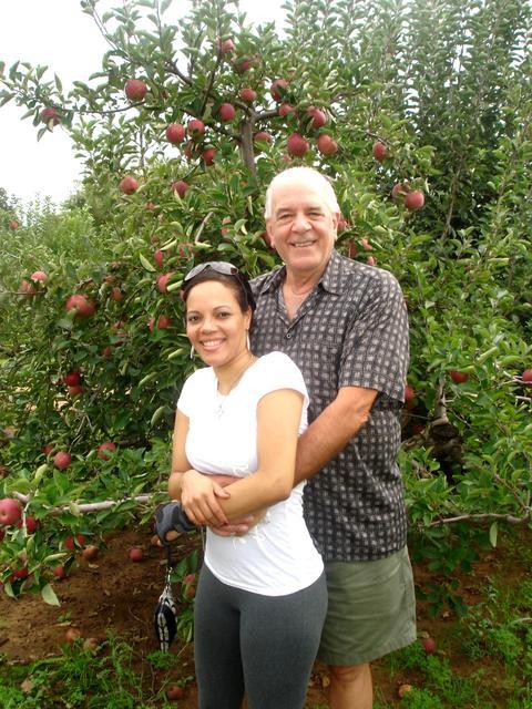 apple picking sept 2011 031